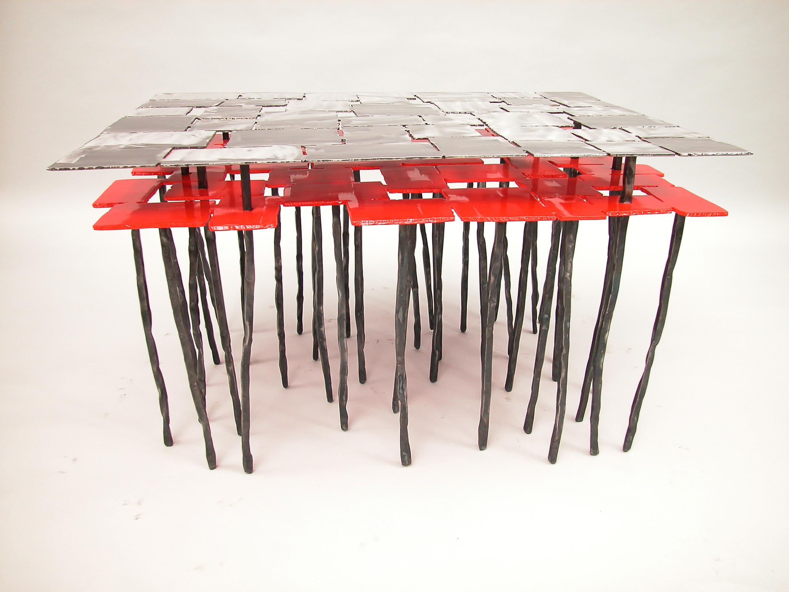 Table basse a double plateau en acier thermolaqué